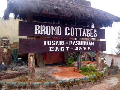 Bromo Hotel Bromo Cottages entree