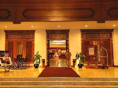 Hotel Java Jogyakarta Jogya Plazza Hall d accueil